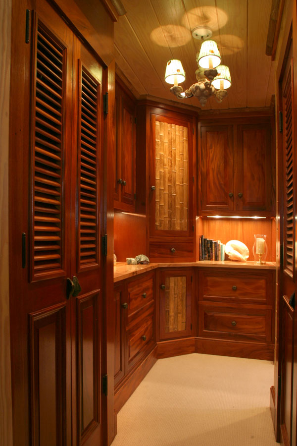 Dressing room design exotic house interior designs for Dressing rooms designs